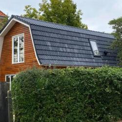 Haus-mit-Mansardendach-001