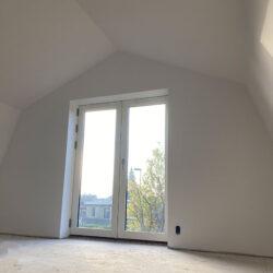 Haus-mit-Mansardendach-012